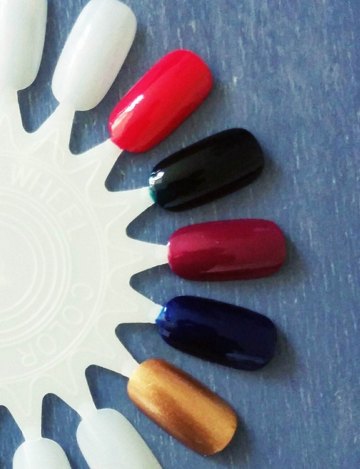 Autumn nail polishes - Chanel, Kure, Revlon
