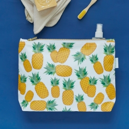 Rosa-and-Clara-Designs-Piña+wash+bag